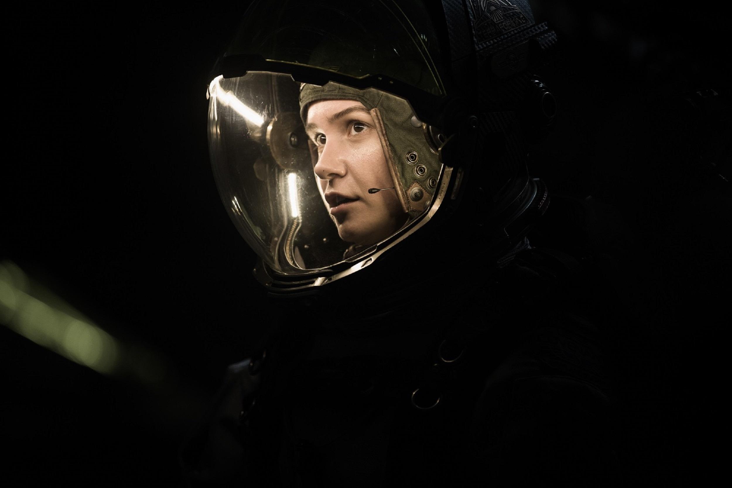 Alien Covenant 2 Katherine Waterston Credit Mark Rogers.jpg