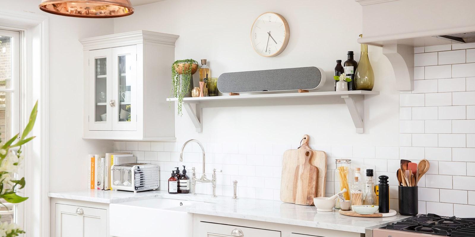 dali-katch-one-kitchen-angle-white_01